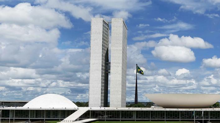 CNI e federações da indústria reconhecem esforço do Congresso Nacional em regulamentar a terceirização