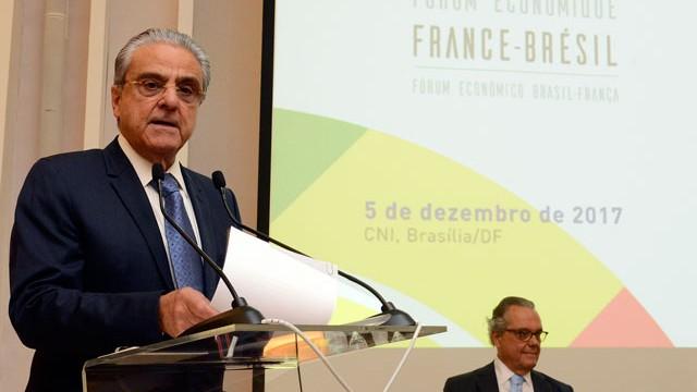 Indústria pede apoio à adesão do Brasil à OCDE em encontro com empresários franceses