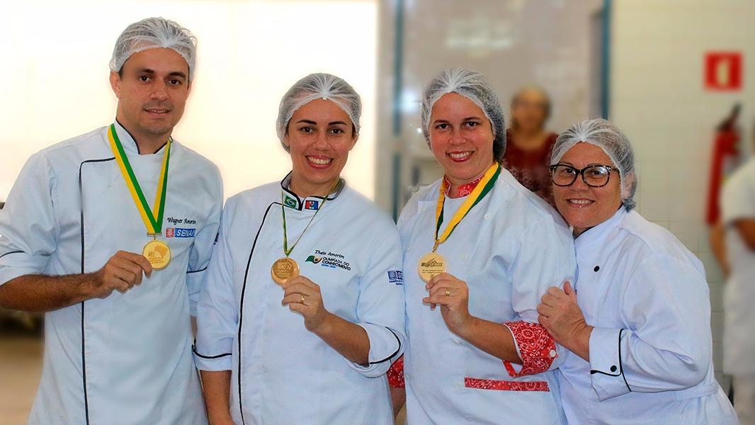 DNA de campeão: família de confeiteiros coleciona vitórias na Olimpíada do Conhecimento e no mercado de trabalho