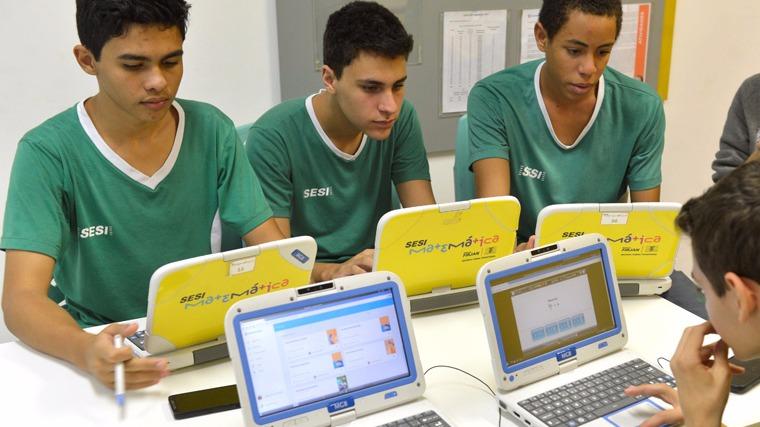 Maioria dos brasileiros avalia SENAI e SESI como ótimos ou bons