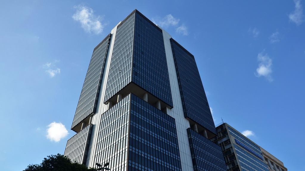 Redução dos juros para 9,25% ao ano incentivará o consumo e os investimentos, avalia CNI