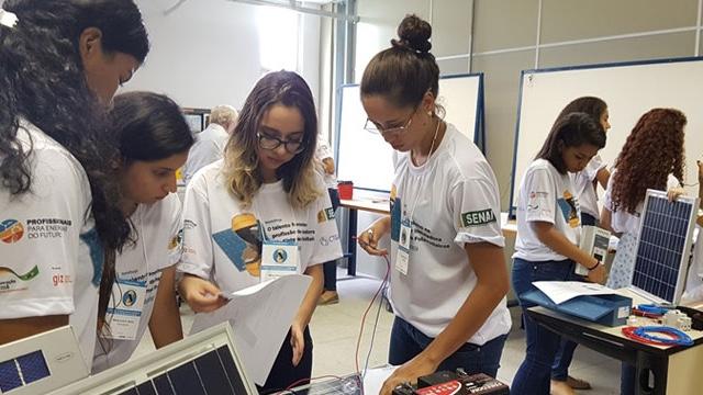 SENAI e CTGAS-ER incentivam o talento feminino no setor de energia fotovoltaica