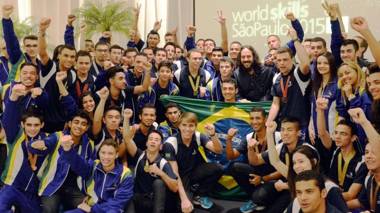 Competidores brasileiros da WorldSkills 2015 ganham bolsa de estudos para curso superior
