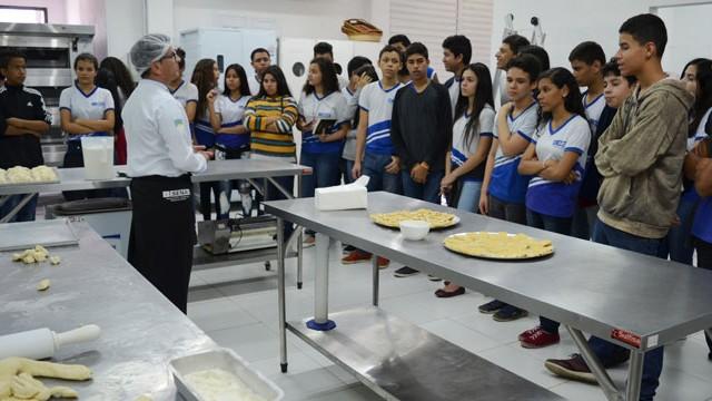 Projeto do SESI Amapá orienta alunos para a escolha profissional