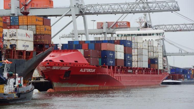 Burocracia no setor portuário custa até R$ 4,3 bilhões por ano para o Brasil