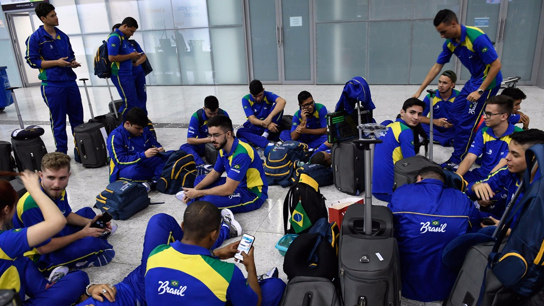 Cinquenta e seis estudantes do SENAI e do Senac embarcam para Abu Dhabi