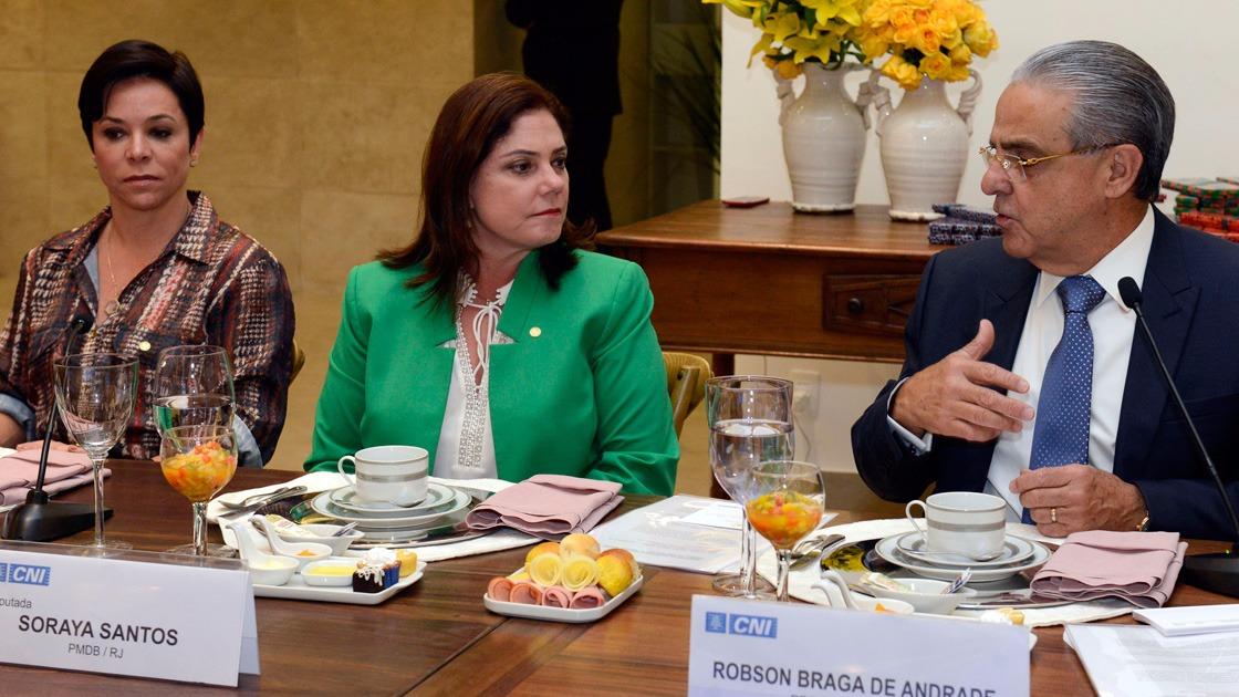 CNI e bancada feminina da Câmara dos Deputados debatem inserção da mulher no mercado de trabalho