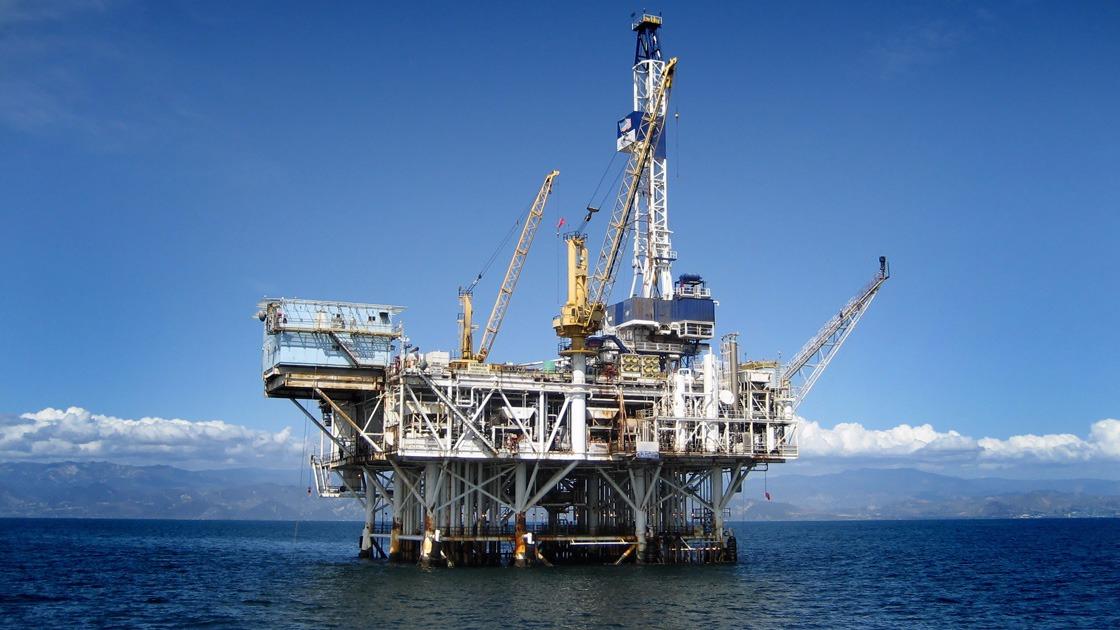 Sucesso nos leilões de áreas de petróleo do pré-salfortalece a economia do país, avalia CNI