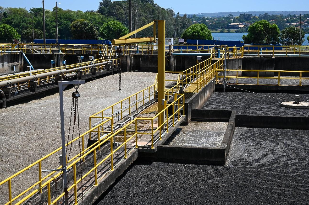 Estação de Tratamento de Esgoto. No local é realizado o tratamento para reúso da água do esgoto.