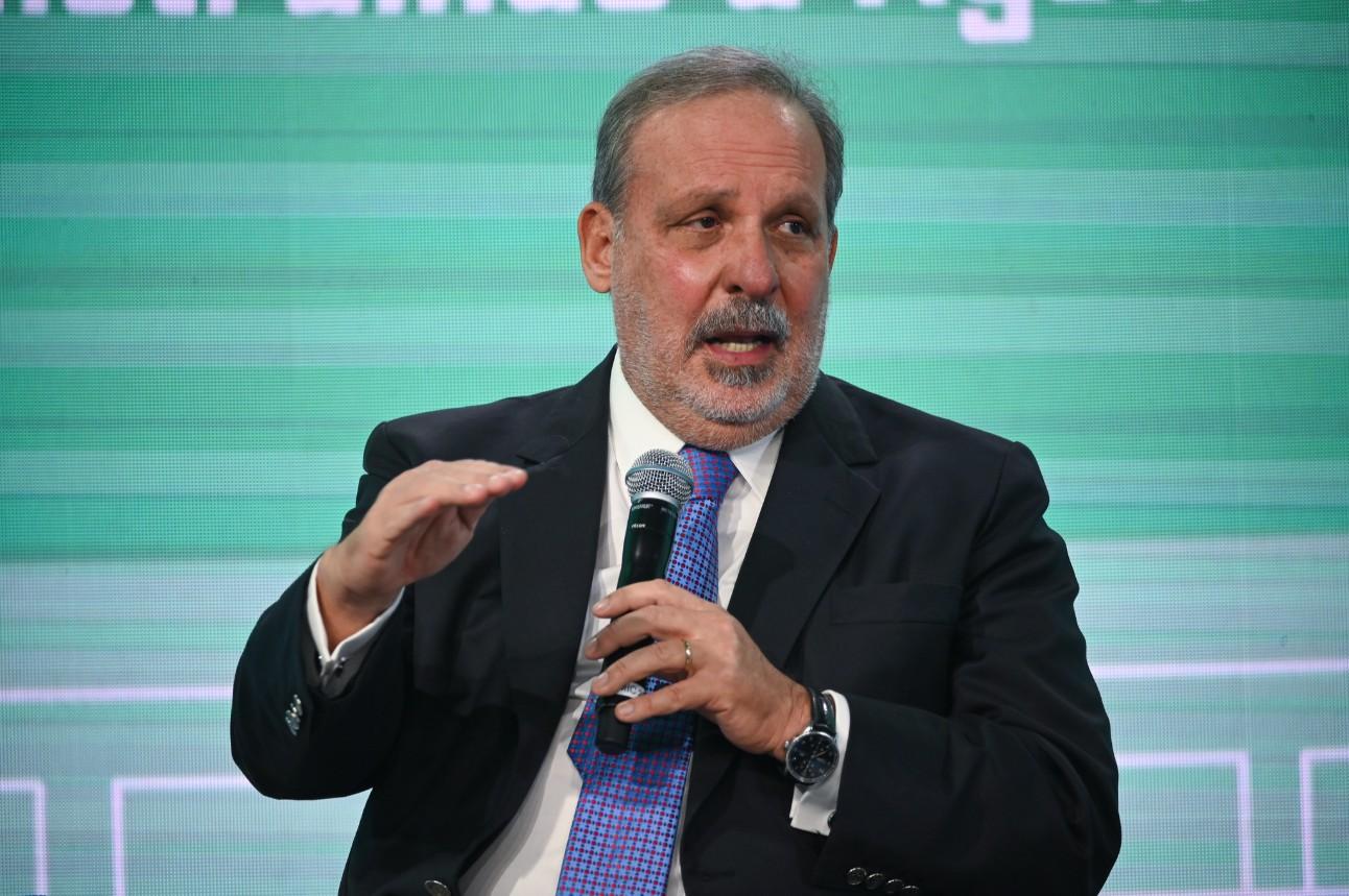 O ex-senador e ex-presidente da CNI, Armando Monteiro, definiu a Agenda Legislativa da Indústria como um exercício maduro do diálogo entre o setor produtivo e o Congresso