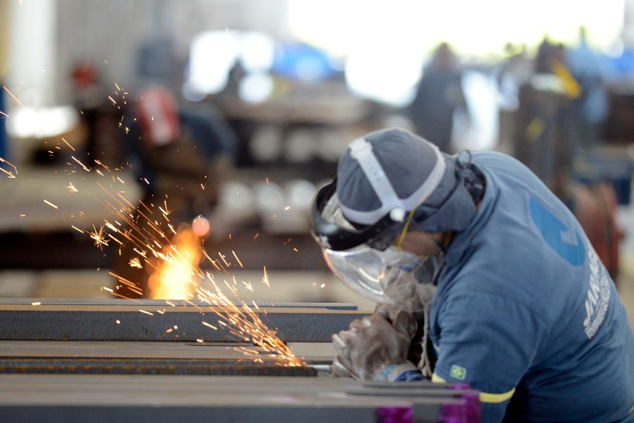 Fábrica de produtos metalúrgicos, Jaraguá em Maceió. Chão de fábrica