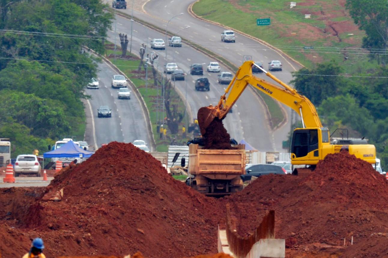 Obra viária de ampliação da estrada de ligação entre Plano Piloto e Aeroporto de Brasília
