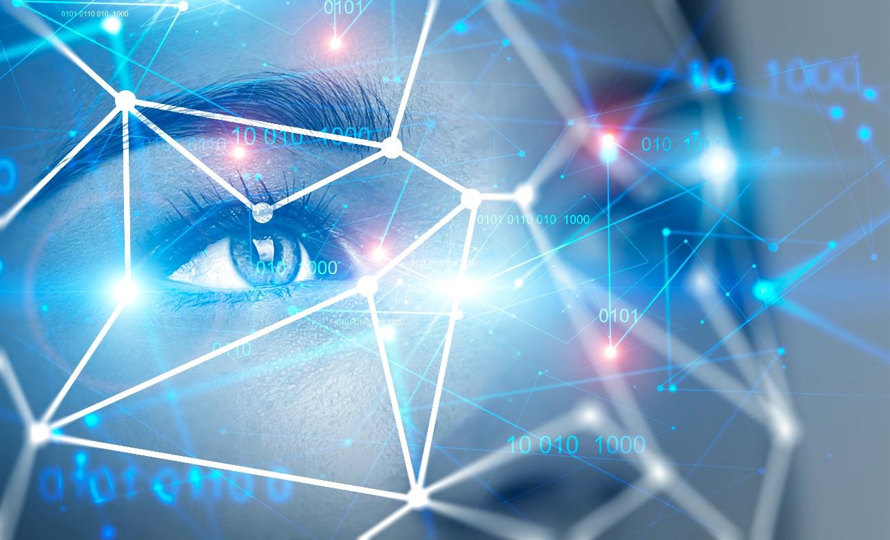 Fotografia em close do olhar de uma mulher em imersão virtual